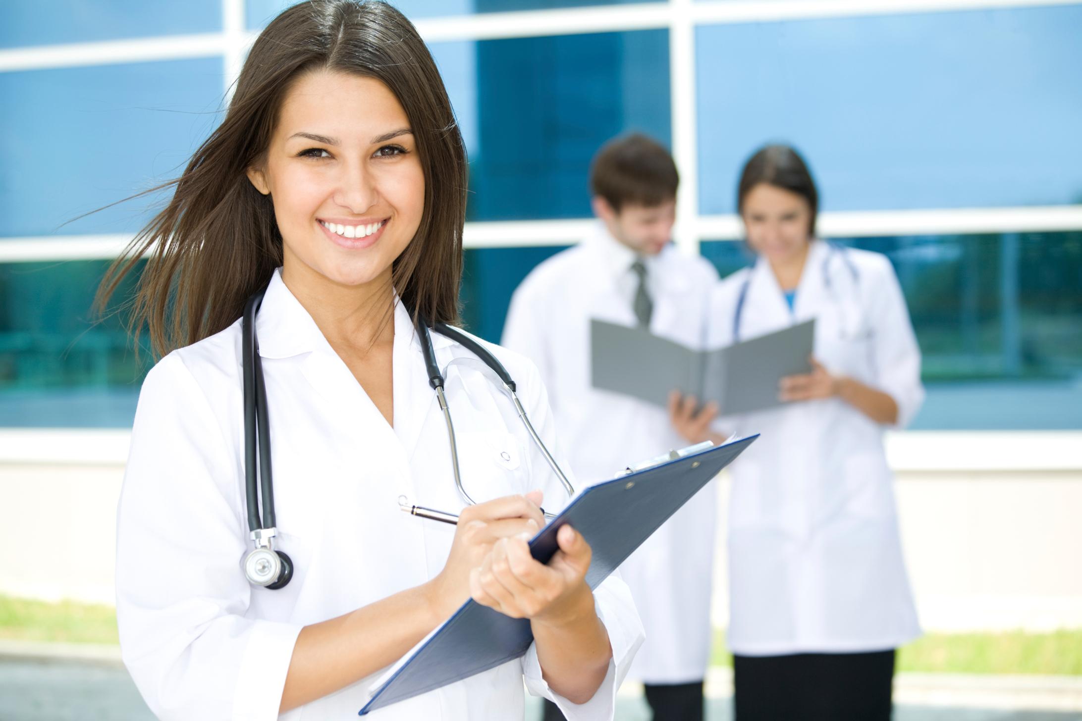 Студентка на приеме у врача 10 фотография