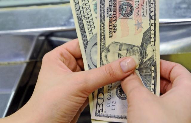Курс доллара на август 2016 года: прогноз