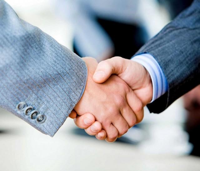 Бизнес-омбудсмен на фоне банкротств банков предлагает ввести страхование вкладов юрлиц