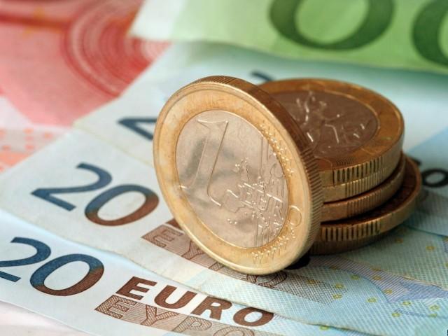 Евро упал до минимума с конца августа