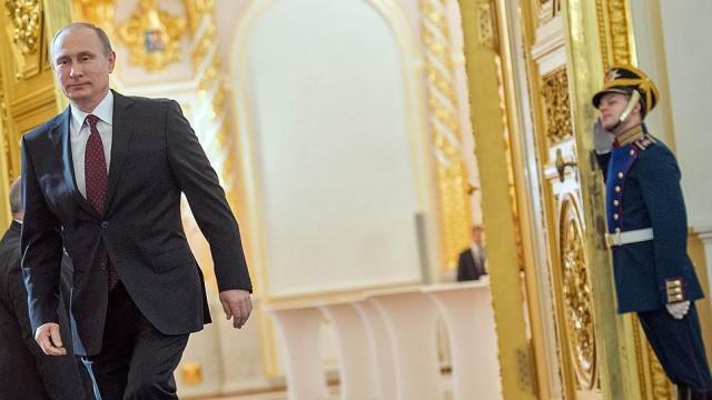 Путин: Россия должна быть готова к долгому периоду дешевой нефти и санкций