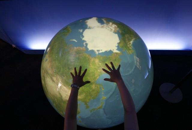 Три страха, которые сковали глобальные рынки