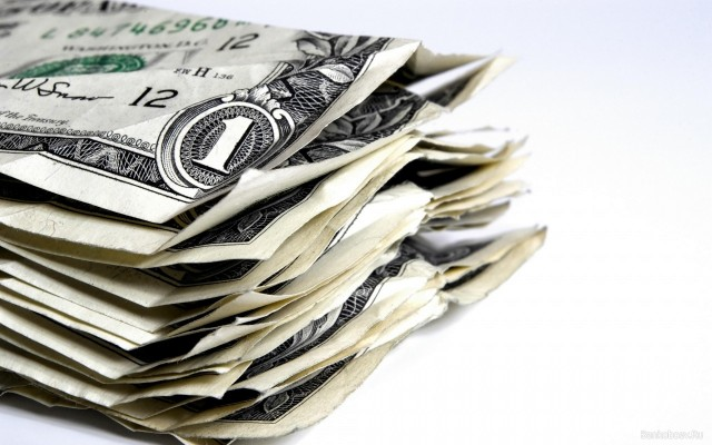 «Покупательная способность одного доллара эквивалентна 23-25 рублям». Советник президента России Сергей Глазьев считает курс рубля к доллару заниженным в три раза