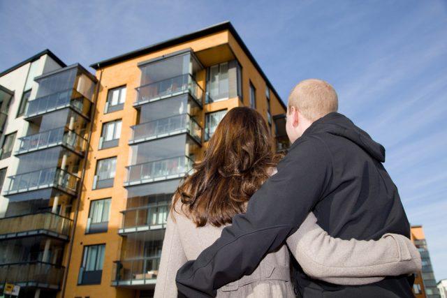 Шувалов советует россиянам поторопиться с покупкой квартир