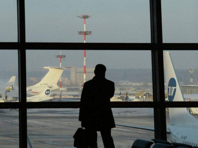 Два миллиона россиян не выпустили за границу из-за долгов