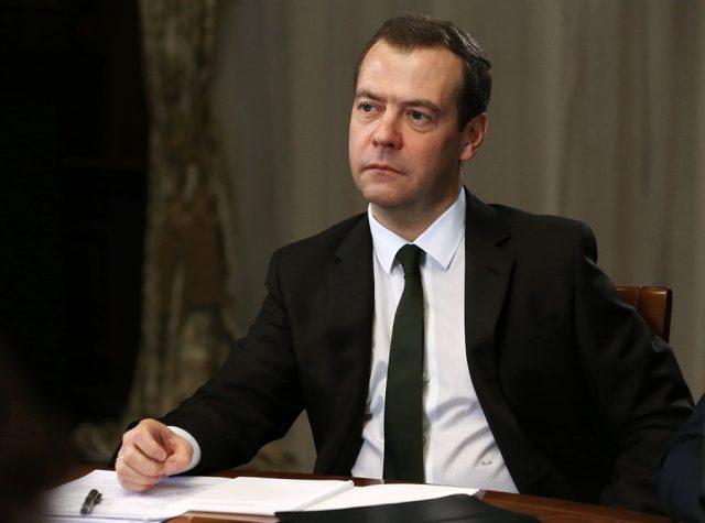 Медведев допустил полную индексацию пенсий в 2017 году