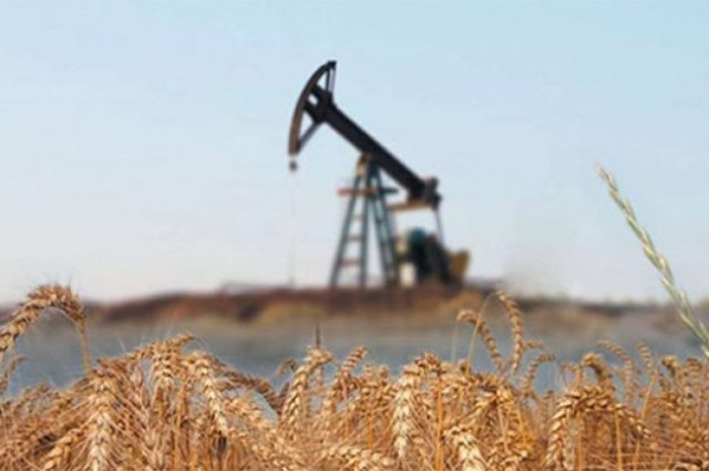 Эксперт: зависимость экономики РФ от цен на нефть начинает снижаться