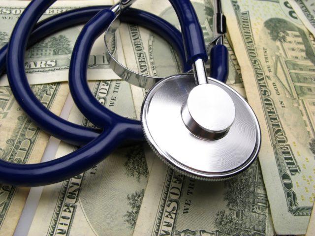 Количество крупных игроков на рынке медстрахования США после M&A может сократиться. Власти против монополизации