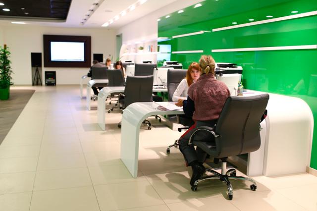 Клиентов банков обяжут сообщать о нетипичных покупках и странных поездках