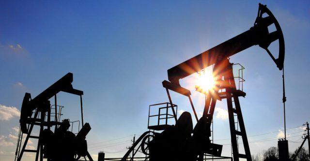 Нефть Brent продолжила расти на торгах во вторник днем
