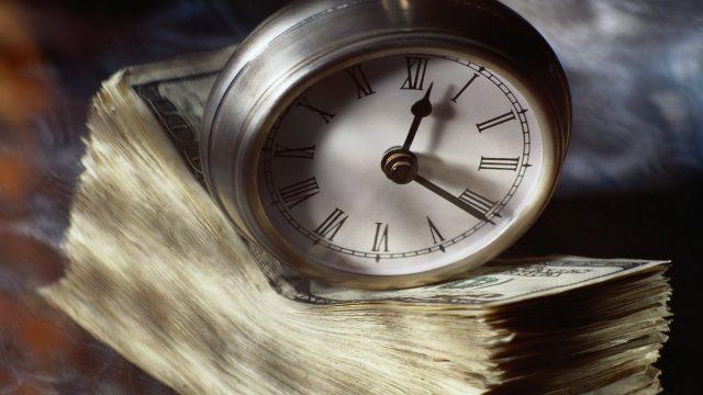 Банкирам-должникам могут запретить выезд за рубеж