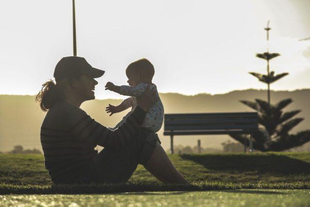 Что дают за 4 ребёнка? Льготы при рождении 4 ребёнка в 2022 году