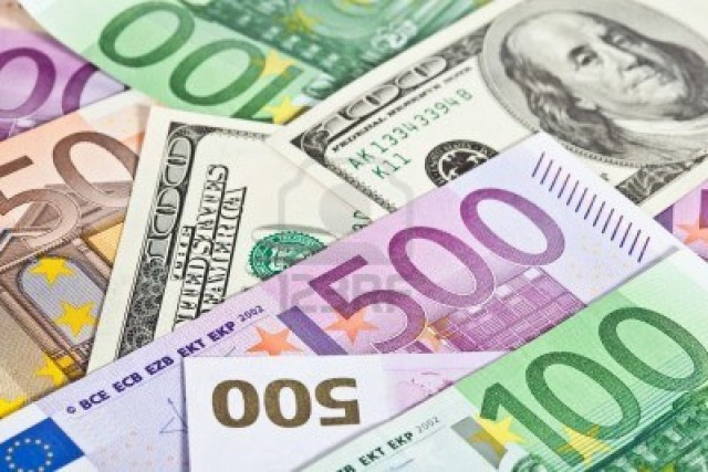 ЕЦБ надавил на евро. А с долларом рубль справился и сам