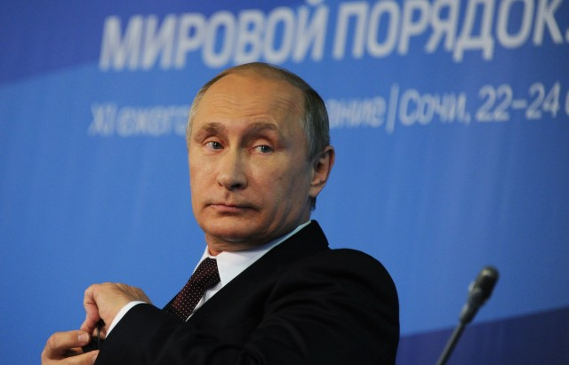 Путин: Согласен с теми, кто считает, что пик кризиса в экономике РФ пройден