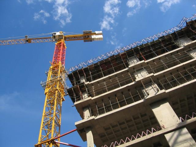 Господдержка строительной отрасли в 2016 году может составить 20-30 млрд руб
