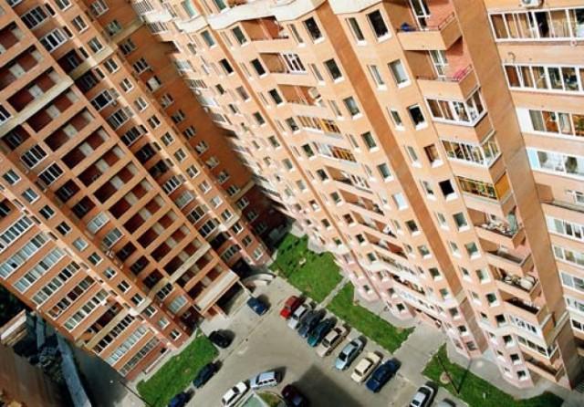 Минстрой: средняя цена квадратного метра жилья снизилась за год на 1 тыс. руб.