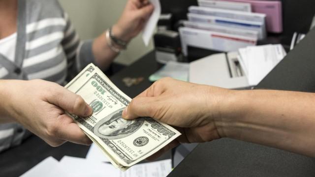 Бомба с долговым механизмом. Чем опасны для страны «черные кредиторы»