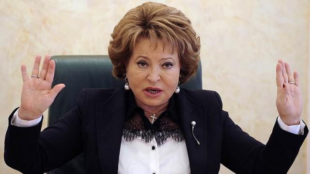 Матвиенко предложила приостановить в РФ работу коллекторов