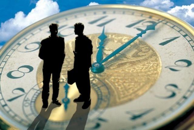 Справороссы предложили ввести в России почасовую оплату труда