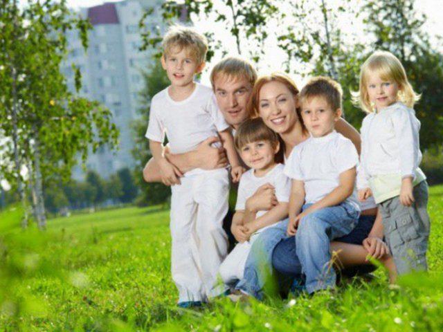 АИЖК заработало на детей. Ипотеку для многодетных семей поддержат прибылями агентства