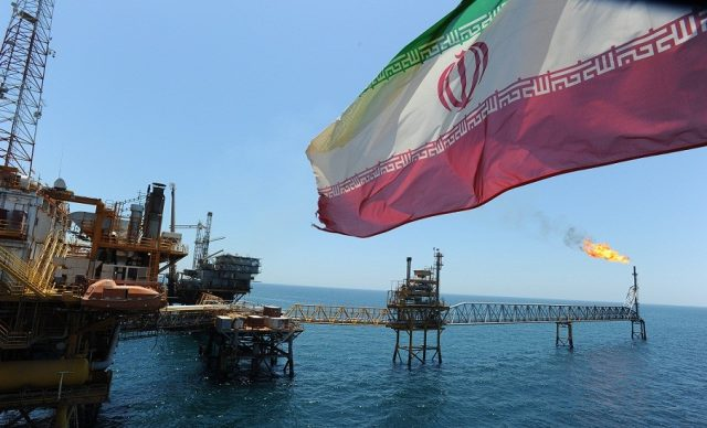 Иран согласился заморозить добычу нефти