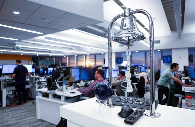 Новая биржа IEX Group хочет замедлить скорость торгов акциями