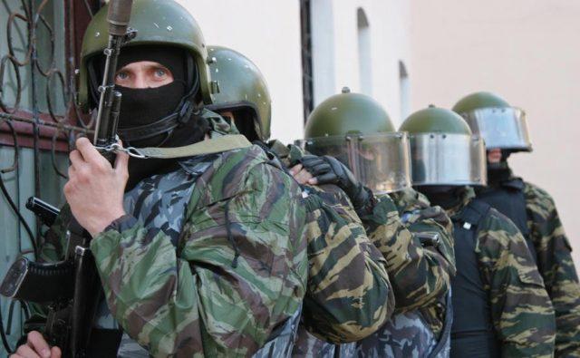 Попытки переворотов и военных действий не входят в зону ответственности страховщиков. Что делать туристам?