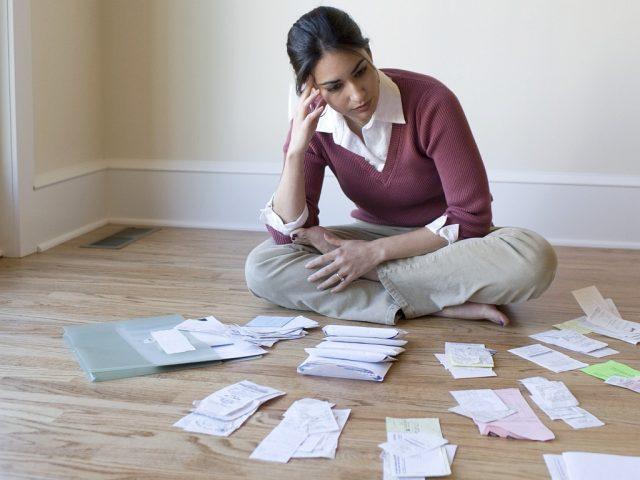 Минстрой хочет запретить продажу квартир с коммунальными долгами