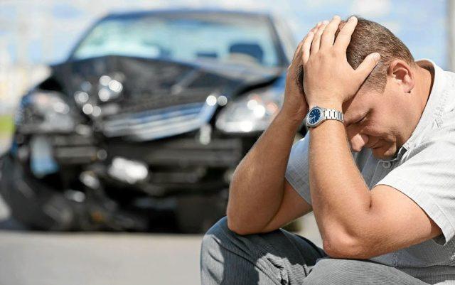Страховщики сворачивают продажи полисов добровольного страхования автогражданской ответственности