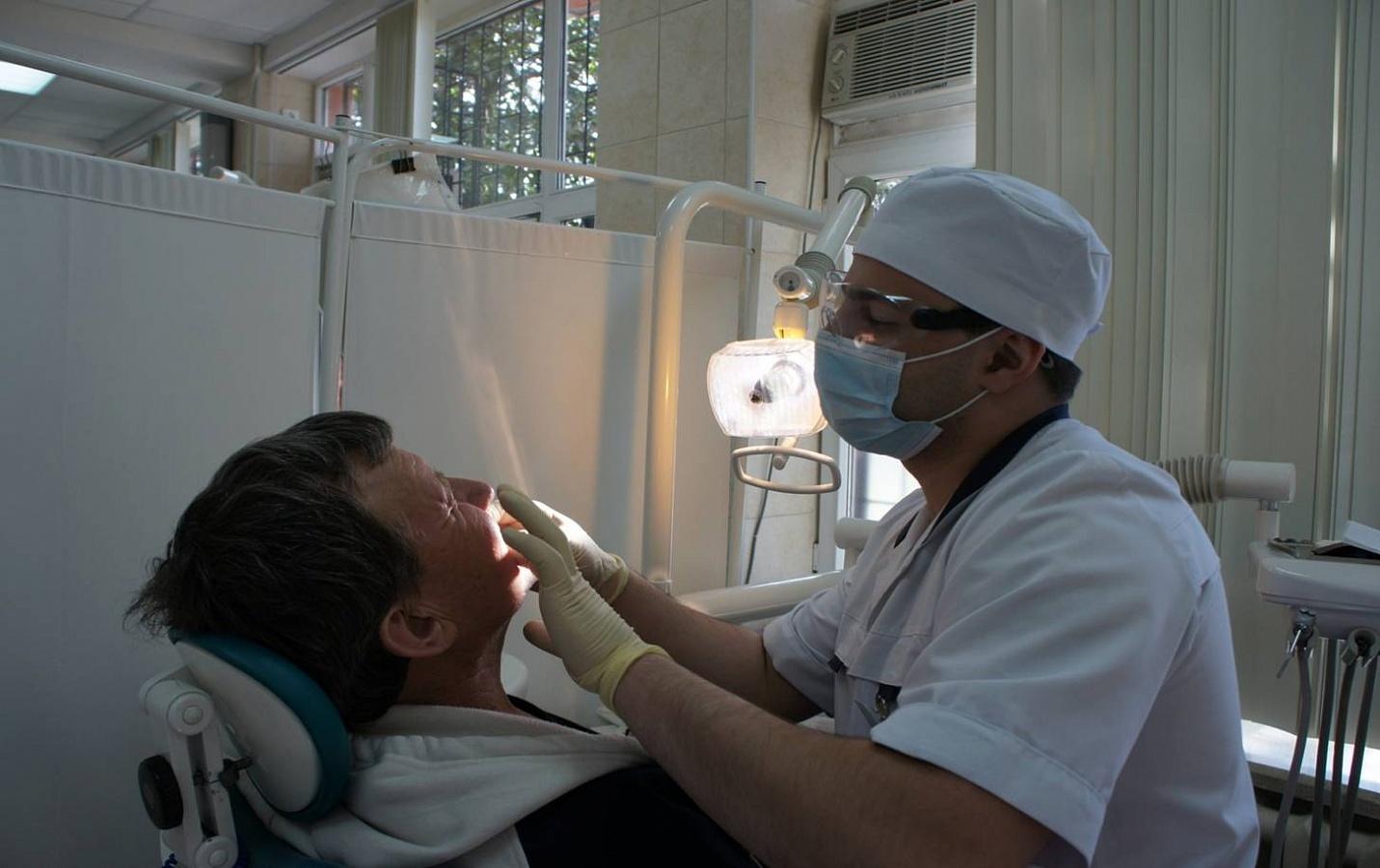 Стоматологическая поликлиника столбцы