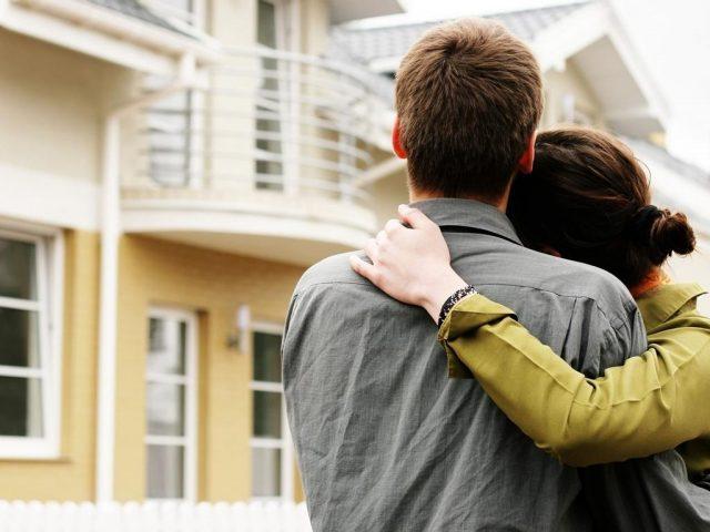 Стоит ли и не опасно ли покупать квартиру менее 3 лет в собственности?