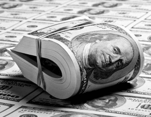 Путин пообещал ослабить валютный контроль