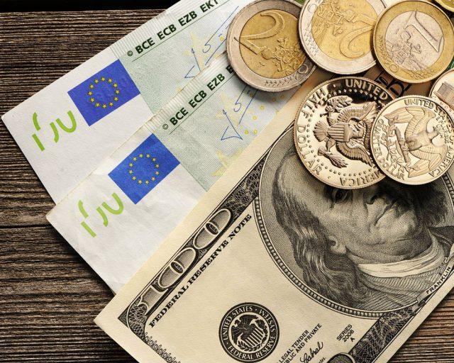 Евро подготовили к новому обвалу - ниже 62 рублей