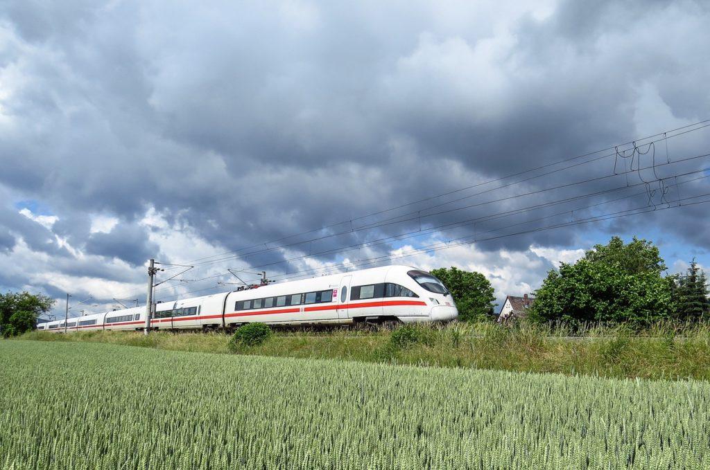 Льготы школьникам на железнодорожные билеты в 2022 году