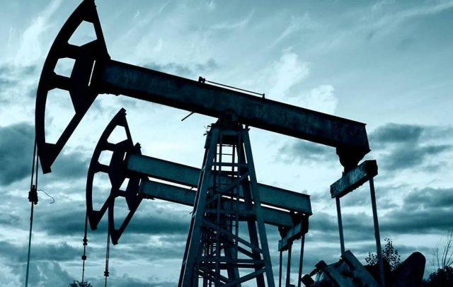 Нефть подешевела из-за отсутствия ясности с соглашением стран ОПЕК