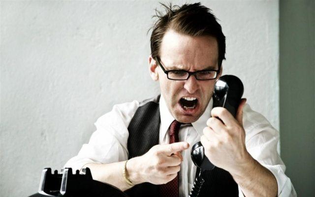 Кредиторы прикинулись коллекторами. МФО угрожают должникам от чужого имени