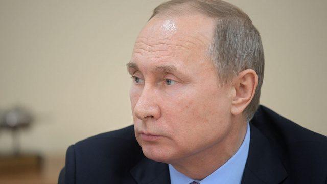 Путин: Власти РФ не собираются отказываться от плавающего курса рубля