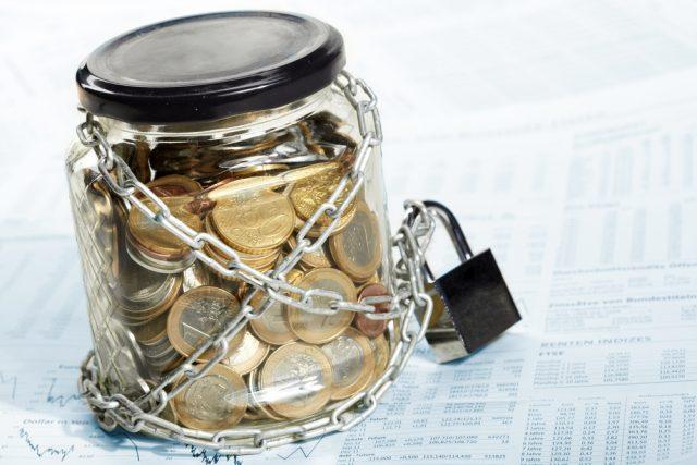 АСВ страхуется от переплат. Агентство требует от вкладчиков вернуть излишне возмещенное