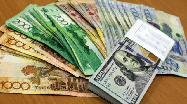Каких уровней достигнут доллар и евро к лету