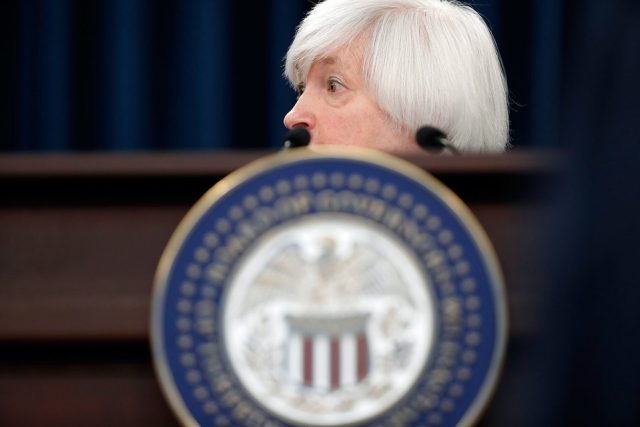 ФРС сохранила ставку на уровне 0,75-1%