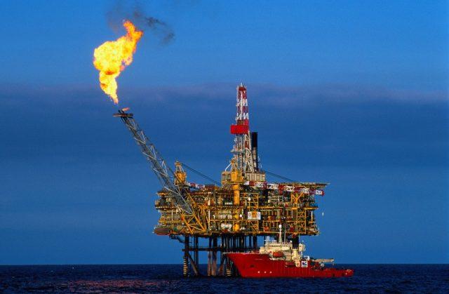 Сбербанк предсказал рост цены на нефть до 55 долларов