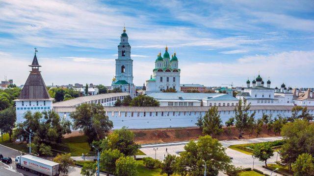 Пенсия в Астрахани и Астраханской области 2018 году: как получить, минимальный размер, доплаты, оформление при переезде, адреса отделений ПФ РФ, где можно оформить и получить СНИЛС в в Астрахани и Астраханской области