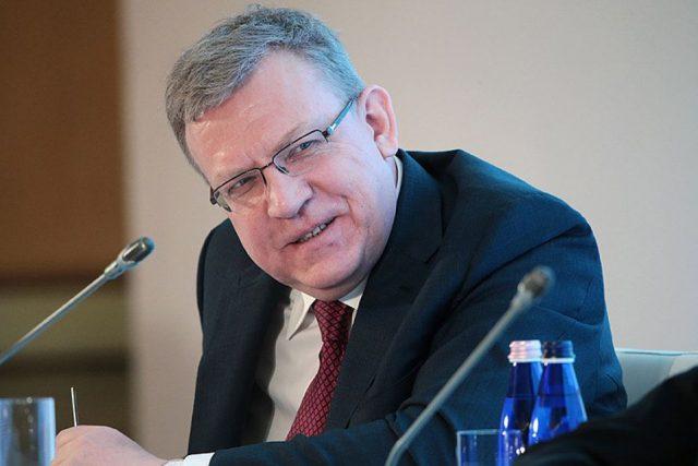 Кудрин посоветовал уволить треть чиновников