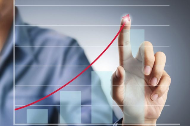 Орешкин ожидает длительную волну роста российской экономики