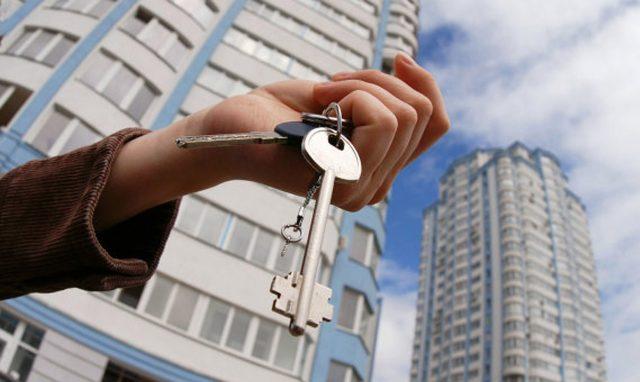 Средняя ипотечная ставка в РФ в июле снизилась до рекордного минимума в 10,94%