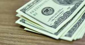 Спрос на доллары у россиян резко вырос