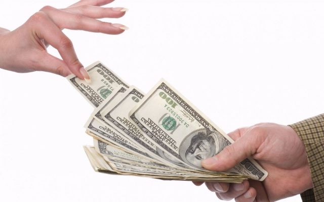 Комитет Госдумы поддержал законопроект о выплате зарплаты в иностранной валюте