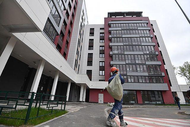 Переселенцам в Москве предложат докупить жилье со скидкой 10%