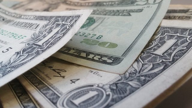 Китай решил потеснить господство доллара