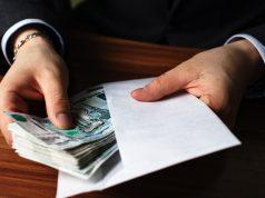 Компании с неоформленными сотрудниками могут лишить налоговых льгот